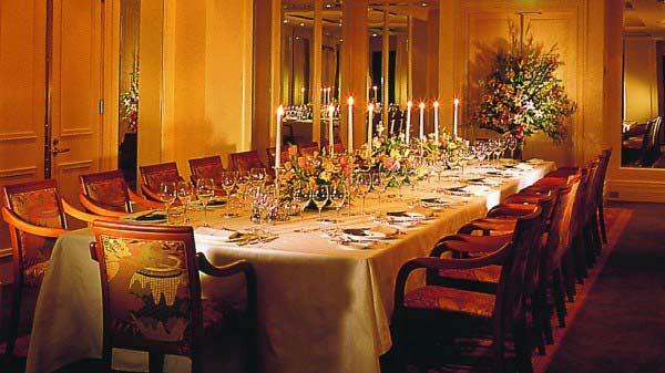 interior-designing-for-private-dinner-area