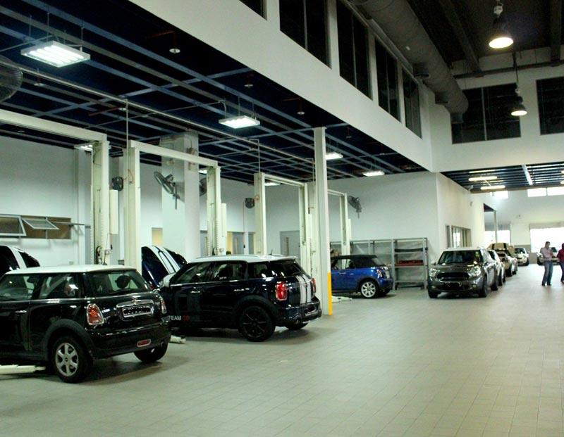interior-designer-for-car-service-centre